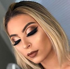 makeup tutorial step by step pictures makeup wedding makeup in hindi for makeup eyeshadow to make eyeshadow makeup makeup tips video to make eyeshadow makeup eyeshadow makeup kit Makeup Trends, Makeup Tips, Hair Makeup, Makeup Ideas, Dress Makeup, Glam Makeup Look, Gorgeous Makeup, Pretty Makeup, Awesome Makeup