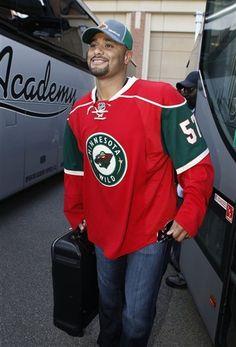 Is it obvious that Johan Santana misses Minnesota or what? #NYMets #JohanSantana #MinnesotaWild