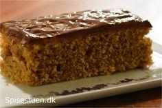 Inspireret af svampet kanelkage, som er super hurtig og nem, har jeg lavet en kaffekage. Blød, svampet og lækker :-) Jeg har brugt noget tid på den, for først lavede jeg denmed kærnemælk og natron…