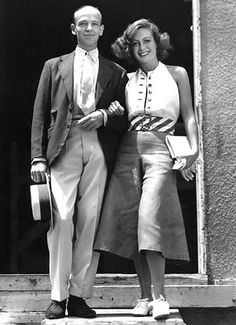 1933 publicity shot of Fred Astaire and Joan Crawford for Dancing Lady Old Hollywood Stars, Old Hollywood Movies, Golden Age Of Hollywood, Vintage Hollywood, Hollywood Glamour, Classic Hollywood, Hollywood Actresses, Hollywood Divas, Hollywood Fashion