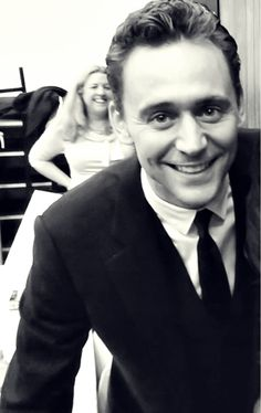 GORGEOUS picture of Tom :D | Tom Hiddleston