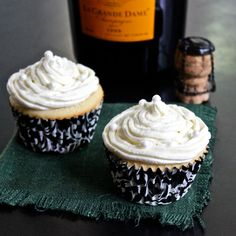 Champagne Cupcakes with Champagne Swiss Buttercream Frosting