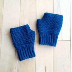 Ravelry: simple fingerless gloves (multiple sizes) free pattern