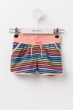 Sıcak günlerin vazgeçilmezi DeFacto kız çocuk plaj şortu.