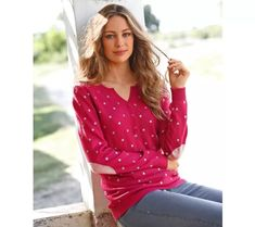 Pulovr s tuniským výstřihem, puntíky | vyprodej-slevy.cz #vyprodejslevy #vyprodejslecycz #vyprodejslevy_cz #sweater #svetr #pulover #pulovr Floral Tops, Women, Fashion, Moda, Top Flowers, Women's, La Mode, Fasion, Fashion Models