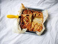 Cake Of The Week: Cinnamon Apple Bars