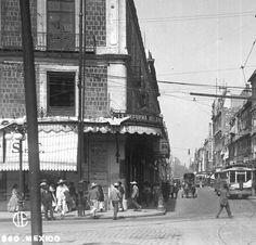 Tacuba y Monte de Piedad 1920