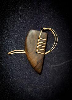 A stitch in time saves the mind…. A stitch in time saves the mind…. Driftwood Jewelry, Wooden Jewelry, Resin Jewelry, Stone Jewelry, Jewelry Crafts, Jewelry Art, Handmade Jewelry, Jewelry Design, Wood Jewellery Ideas