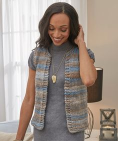 Simply Styled Vest Easy Free Knitting Pattern Source by Free Knitting Patterns For Women, Knitting Designs, Easy Sweater Knitting Patterns, Western Outfits, Crochet Vest Pattern, Free Pattern, Style Simple, Vest Outfits, Jumpers For Women
