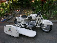 BMW Racing Sidecar, whole rig and side fender and logo.