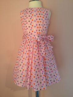 Rosa Buntgeblümtes Mädchen Kleid von Dressed by Olga Hofmann auf DaWanda.com