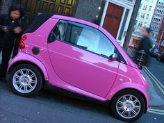 I need a pink car! This Smart is a pink car that has those cast aluminium wheels in all around this vehicle. Smart Auto, Smart Car, Pink Love, Pretty In Pink, Pretty Cars, Hot Pink, Pink Truck, Smart Fortwo, Cute Cars
