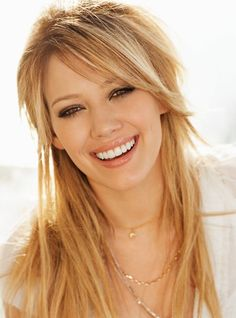 Hilary Duff, I like the layered hair. Long Bangs Hairstyles Sideswept, Long Hair With Bangs, Long Layers With Bangs, Side Bangs Long Hair, Side Fringe Hairstyles, Funky Hairstyles, Formal Hairstyles, Long Layered Bangs, Hair Styles Long Layers
