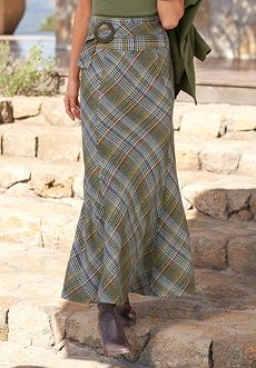 gorgeous olive green plaid floor length skirt, fitted at the waist to a bell flare below the knees Modest Outfits, Skirt Outfits, Modest Fashion, Dress Skirt, Fashion Outfits, Pretty Outfits, Beautiful Outfits, Cute Outfits, Elegante Y Chic