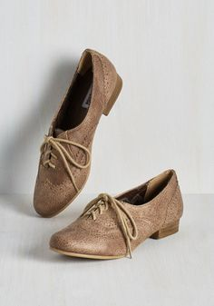 Dapper Days Flat in Cappuccino - Solid, Scholastic/Collegiate, Good, Lace Up, Flat, Faux Leather, Tan, Variation