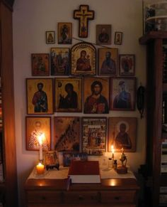 A very special personal space, to pray and draw close to God. Religious Images, Religious Icons, Religious Art, Catholic Altar, Prayer Corner, Meditation Altar, Home Icon, Prayer Room, Orthodox Icons