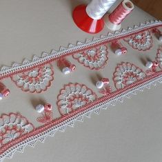Needle Lace, Lace Making, Bargello, Filet Crochet, Projects To Try, How To Make, Decor, Instagram, Crochet Edging Patterns