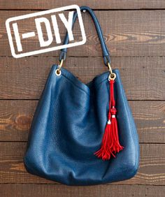 Dress Up Your Bags With 3 Easy DIY Tasselshttp://pinterest.com/pin/create/button/?url=http://www.refinery29.com/diy-bag-tassels=http://static1.refinery29.com/bin/entry/0ee/x/207723/opener-home.jpg=Dress%20Up%20Your%20Bags%20With%203%20Easy%20DIY%20Tassels#