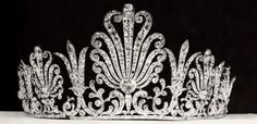 The Marchioness of Sligo's Garrard tiara, featuring large diamond palmette motifs, with smaller lily spacers. Worn to the 1937 Coronation it was sold after the 1953 Coronation by Christie's