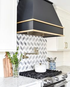 The Best Way To Incorporate Contemporary Style Kitchen Designs At Home Modern Farmhouse Kitchens, Farmhouse Kitchen Decor, Kitchen Redo, Kitchen Design, White Kitchens, Kitchen Tiles, Kitchen Remodel, Stove Backsplash, Mosaic Backsplash