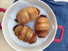 Een van de favoriete manieren om aardappelen te bakken in de airfryer zijn wel de Hasselback aardappelen. Niet moeilijk en prachtig om te zien én te eten.