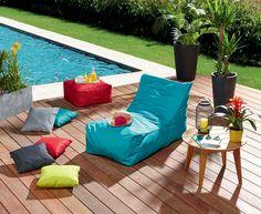 Coussins de sol, fauteuil transat et coussins : de la couleur pour l'extérieur !