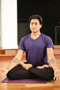A Meditation for Finding Center – This guided 10-minute breath-based meditation is accessible for all levels, and will help you find a new sense of center and weightlessness.
