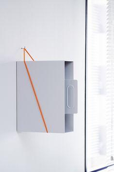 デザイナー向け雑貨ブランドSOGU。縦長の箱状のものを壁における世界最少要素の棚。企画製造しているデザイン会社からの直接ご購入いただけます。#SOGU #PEG #DESIGN #PRODUCT #SIMPLE #DIY #壁面収納 Shelves, Home Decor, Shelving, Decoration Home, Room Decor, Shelving Units, Home Interior Design, Planks, Home Decoration