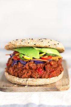 Sloppy Joes Vegano.- El Sloopy Joes es una especie de sandwich típico de Estados Unidos y esta versión vegana es una de las recetas más ricas que he probado en mi vida.