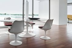 minimum - Wohnen_Knoll_International_Saarinen_Tulip_Stuhl_minimum