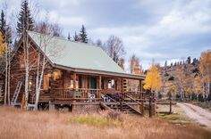 Cabin charm..love the setting and everything about this