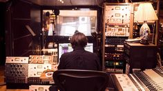 El último viaje de Fabo: la historia del DJ italiano que viajó a Suiza para someterse a la eutanasia. 27/02/17