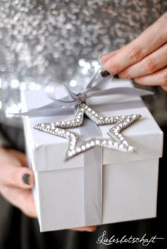 #HighHeelers gorgeous Christmas wrapping. #LifeStyle