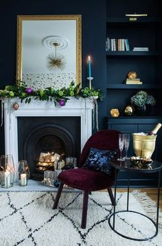 goes glam rock for Christmas with Amara Photo credit – Jane Looker Photography The Gold is a Neutral house goes Dark Living Rooms, My Living Room, Home And Living, Living Room Decor, Peacock Living Room, Rock N Roll Living Room, Decor Inspiration, Living Room Inspiration, Room Colors