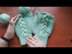 Baby Shawer Baby Kind Knitting Socks Knitting For Kids Baby Knitting Patterns Knitting Videos Crochet Bebe Knit Crochet Layette Baby Knitting Patterns, Knitting For Kids, Knitting Designs, Knitted Baby Clothes, Knitted Romper, Crochet Baby, Free Crochet, Knit Crochet, Bebe Video