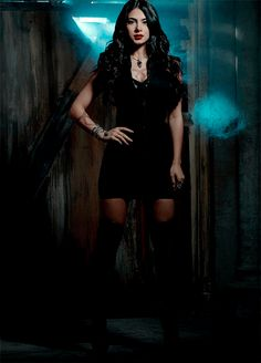Emeraude Toubia - Isabelle Lightwood