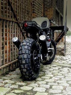 Siege mécanicien Triumph Thruxton CS noir chariot de visite