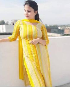 Top 50 Desi Look Women Wallpapers Punjabi Salwar Suits, Patiala Salwar, Anarkali, Salwar Designs, Kurti Designs Party Wear, Blouse Designs, Beautiful Suit, Beautiful Girl Indian, Most Beautiful Indian Actress