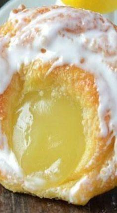 Lemon Curd Danish Recipe ~ delicate, flaky, puff pastries topped with lemon curd and sweet sugar glaze. Köstliche Desserts, Lemon Desserts, Lemon Recipes, Sweet Recipes, Delicious Desserts, Dessert Recipes, Yummy Food, Dessert Bread, Health Desserts