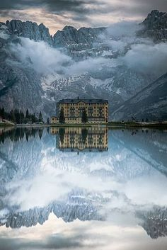 LAKE MISURINA ITALY