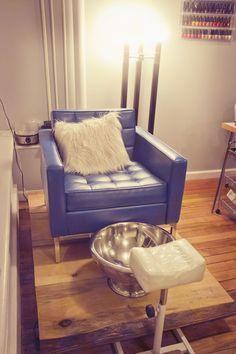 vintage industrial pedicure station idea | home nail salon decorating ideas | nail technician room decor ideas and set up