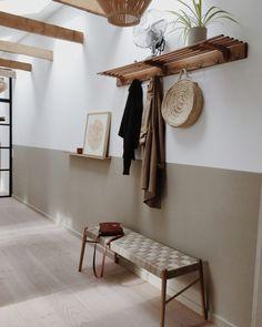 UMI design bænk stor - i bæredygtigt egetræ - MAKE nordic - lovely pins Plywood Furniture, Design Furniture, Office Open Plan, Corporate Office Decor, Corporate Offices, Long Hallway, Brooklyn Apartment, Sustainable Furniture, Step Inside