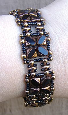 Nexus Bracelet and Earrings pattern at AroundTheBeadingTable.com