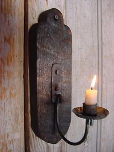 Wall Candle Sconce Lighting Primitive Lighting by baconsquarefarm Iron Candle Holder, Rustic Candle Holders, Rustic Candles, Metal Candle Holders, Primitive Candles, Primitive Wall Decor, Primitive Lighting, Primitive Furniture, Candle Wall Decor