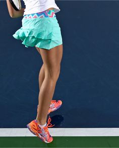serve big, flash-free. Set the Pace Skirt with gripper to prevent shorts liner riding up.