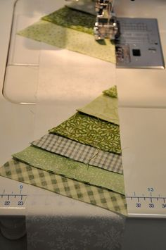 Scrappy Tree Mug Rugs!  Really simple instructions & ideas for another color combination. pretty