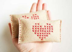 10 super simple stocking stuffers you can make like these #DIY hand warmers! #holiday #gifts