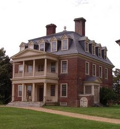 Shirley plantation - Virginia's 1st Plantation!!  Descendants from the first owners/builders still live there!!!