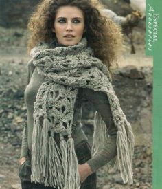 Xxl scarf with long fringes