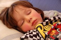 How Much Sleep Does My Toddler Need? Toddler Sleep, Baby Sleep, Sleeping Too Much, Parenting Advice, Childcare, Little Babies, Toddlers, Young Children, Parenting Tips